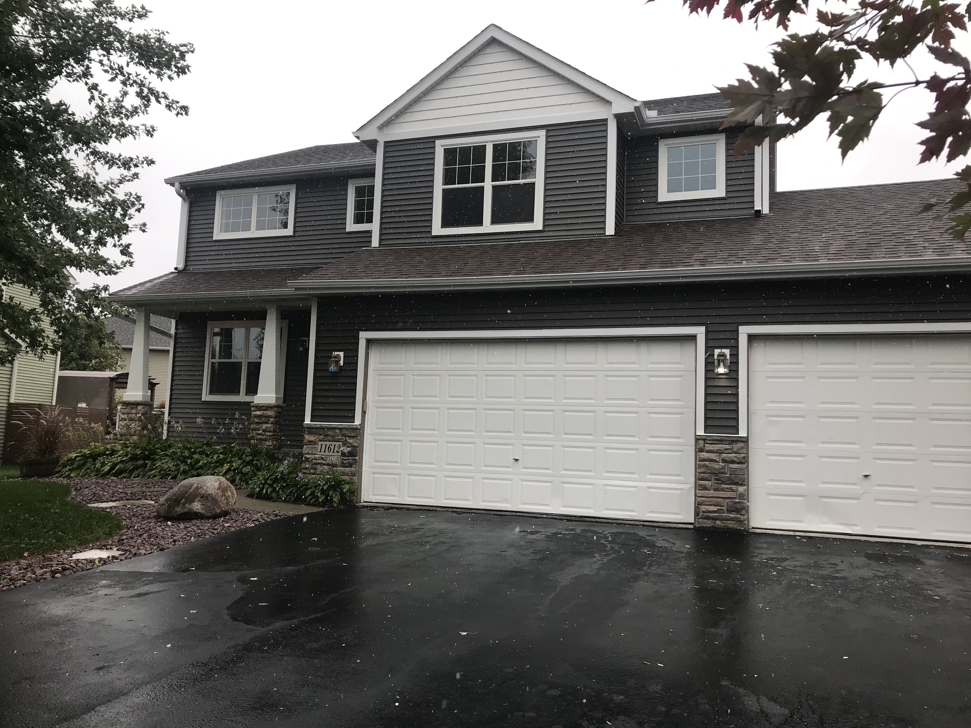 Beautiful house in the Heart of Blaine!
